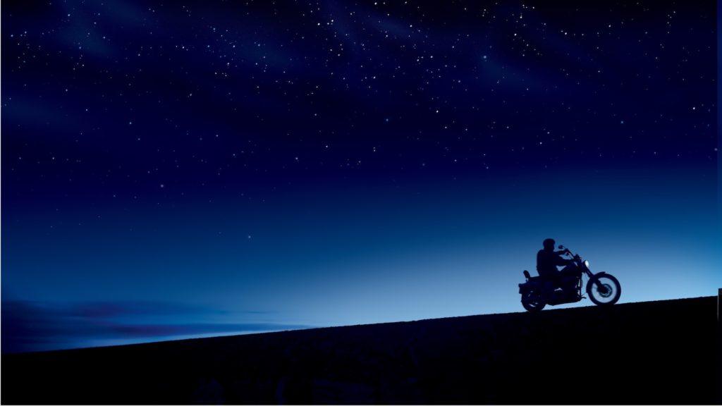 夜明けのバイクの無料バーチャル背景素材