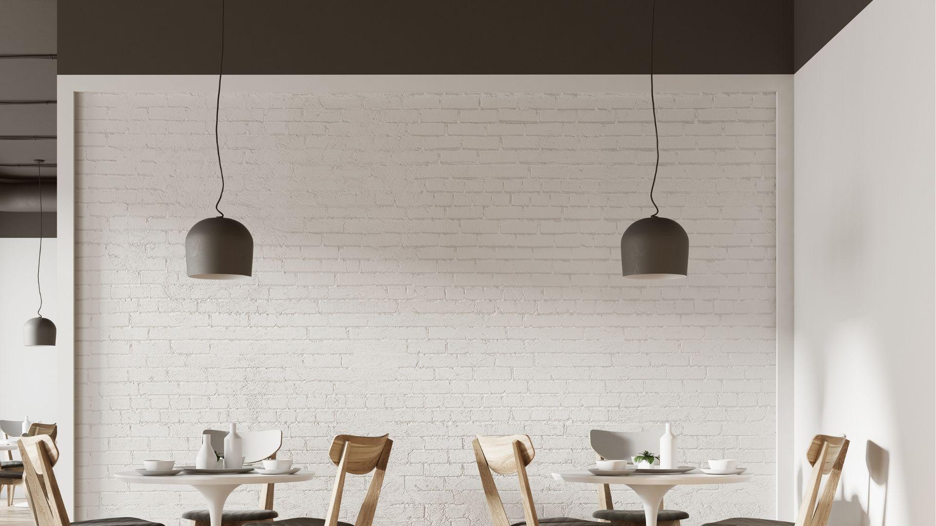 白い壁のカフェの背景